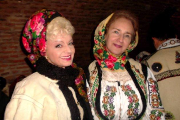 Laura Haidău și Sofia Vicoveanca